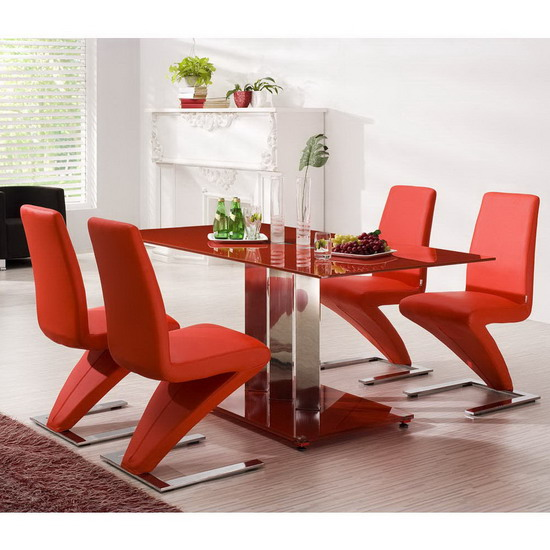 Trilogy Red With 4 Z Chairs